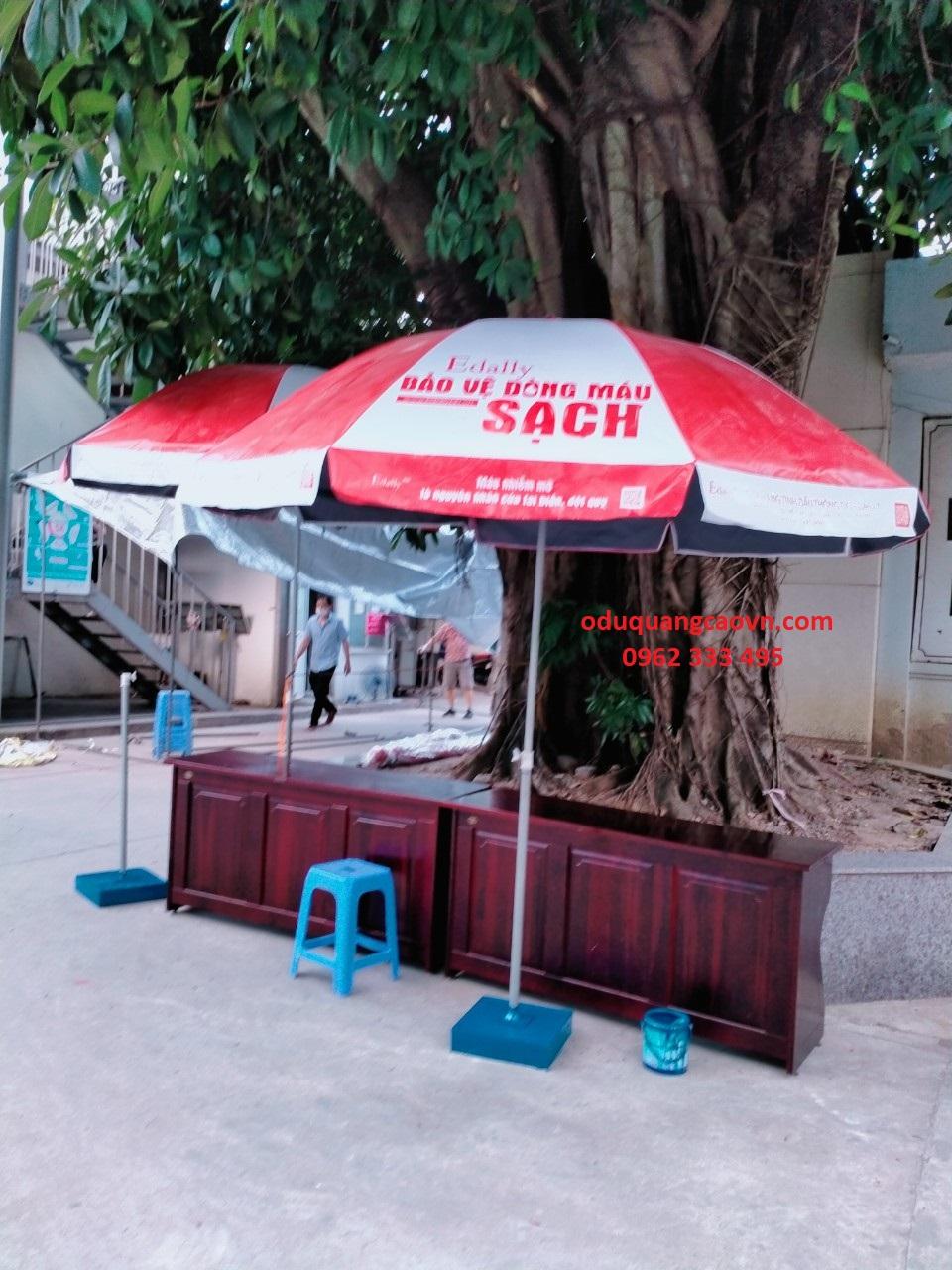 Ô dù quảng cáo tại Hà Nội